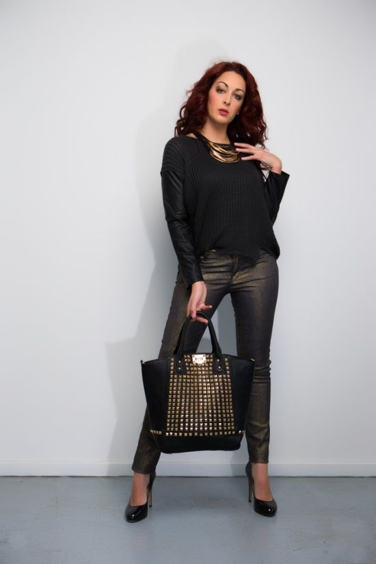 Gold and leather vixan #musthave #essential #outfit