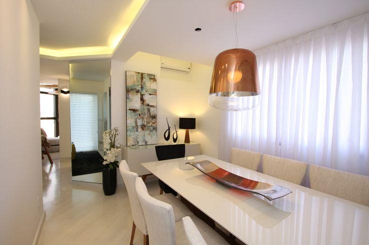 sala de jantar, mesa, lustre cobre, duplex. Projeto de Arquiteta Cristiane Vassoler