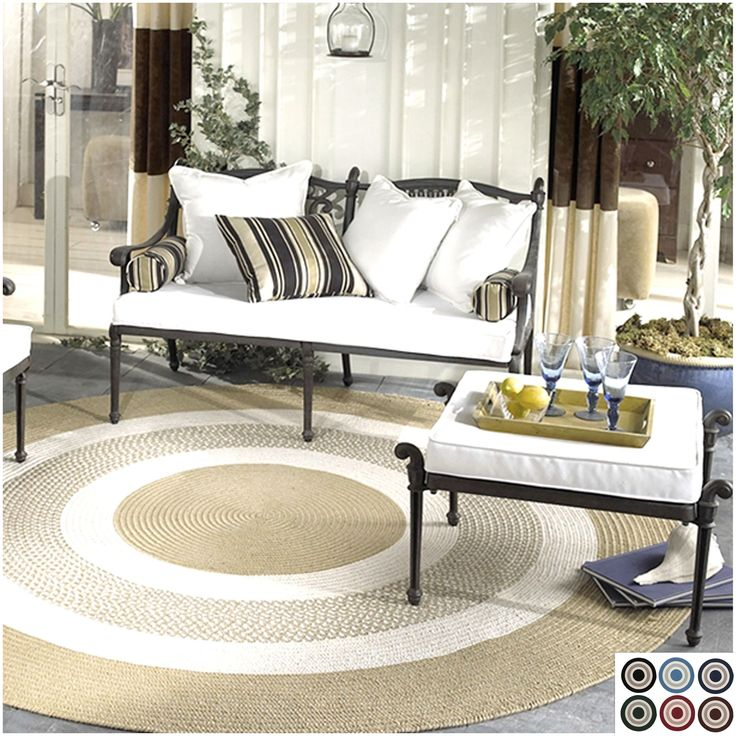 Colonial Mills Bay Indoor/ Outdoor Round Braided Rug
