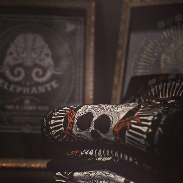 Le tshirt hanno gli occhi! #toohead #vintage #rock #official #tshirt #black #brand #tattoo #heavymetal #igers #madeinitaly #tweegram #picoftheday #instagood #igdaily #follow #followers #tagsforlikes #skull