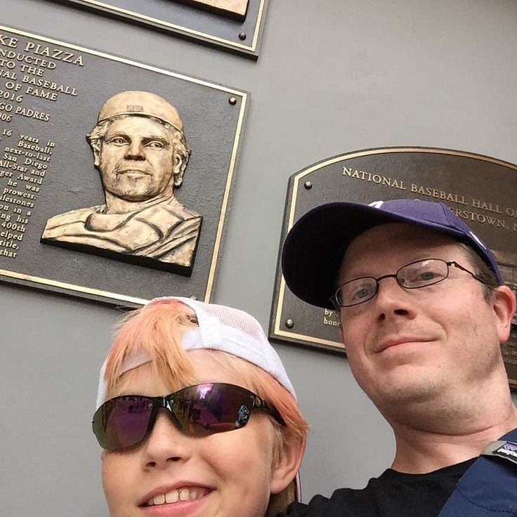 The mighty Mike Piazza among the #Padres former HoFers at #PetcoPark #baseball #selfie #sandiego