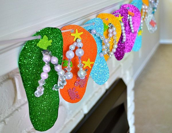 flip flops crafts - would make a great kid's activity for a pool / beach themed party.