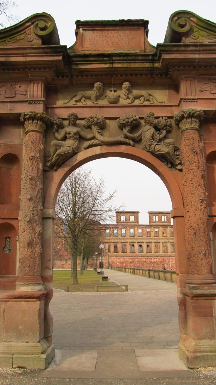 Pin oleh Jihooniee di My trips Heidelberg, DE Perjalanan