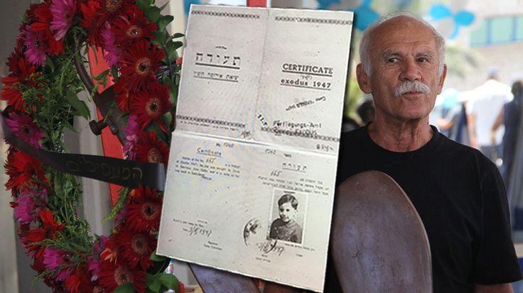 Un survivant avec ses papiers de quand il avait quatre ans au mémorial de l'Exodus au port de Haifa, le 18 juillet 2017 (Crédit : Laura Ben-David)