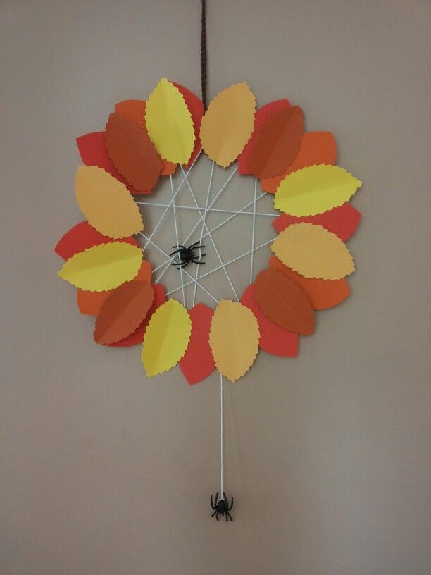 Herfstkrans van papier