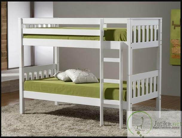Tempat Tidur Anak Tingkat Warna Duco dibuat dari bahan utama kayu mahoni dengan kualitas terbaik karena sebelum proses pembuatan Tempat Tidur ini,