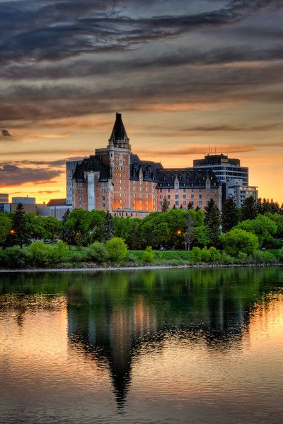 Bessborough Hotel in Saskatoon, SK [a previous pinner's caption as corrected by Pinterest user Kimberly Melrose-Wyatt]