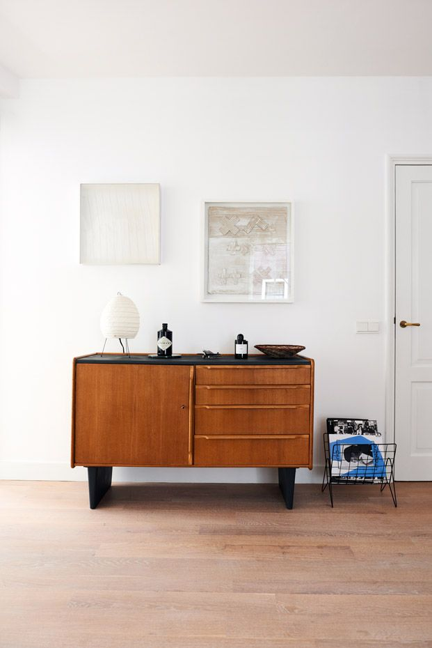 Liza Chloë about her stylish apartment and interior full of awesome design. This Pastoe cabinet is everthing! Photography by Marije Kuiper - Roomed