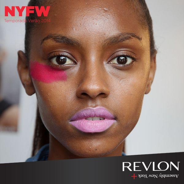 Desfile Assembly. Maquiagem Gucci Westman, Revlon.