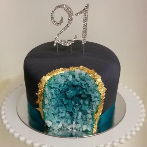146 best images about Geode Cakes on Pinterest Agate ...