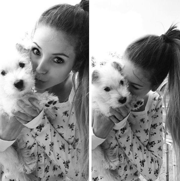 Her doggie:-)