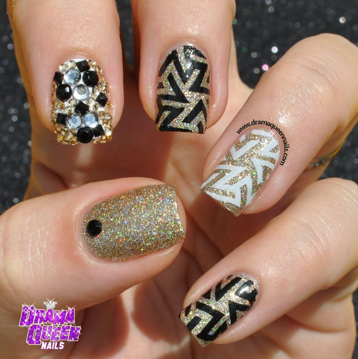 Best 25 queen nails ideas on pinterest neon aztec nails nail pueen 24b buffet collection all you can stamp prinsesfo Images