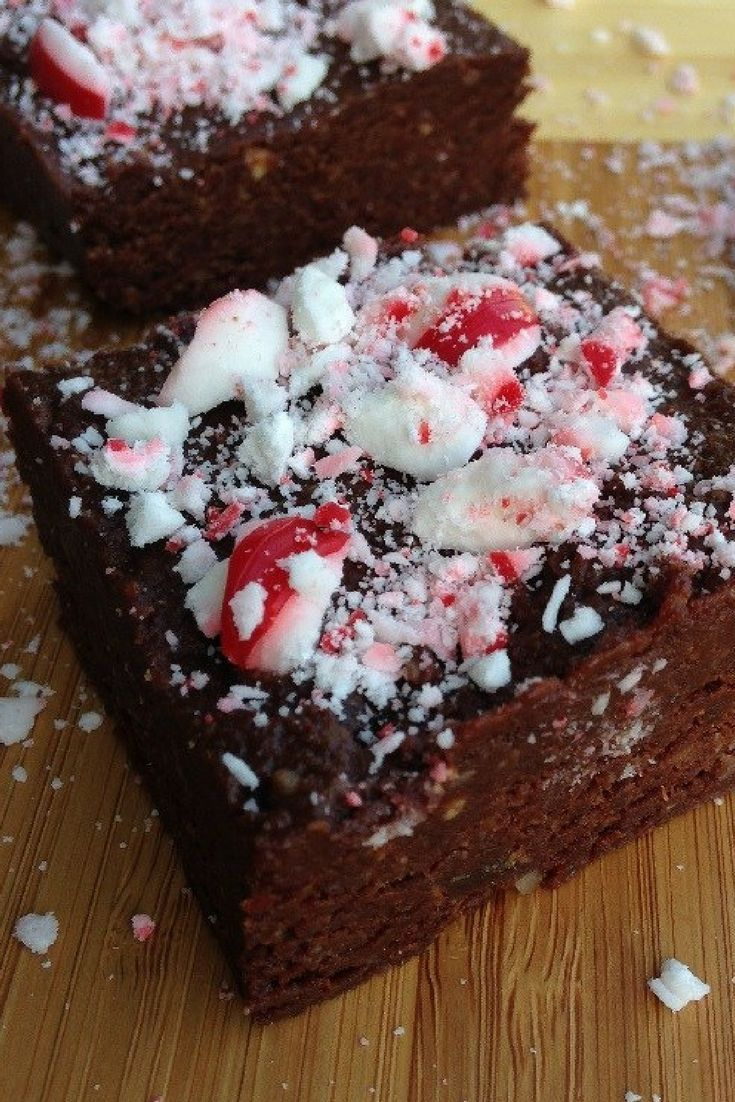 These Vegan Dark Chocolate Peppermint Brownies have the look, consistency and even the taste of brownies, but they are raw and vegan!