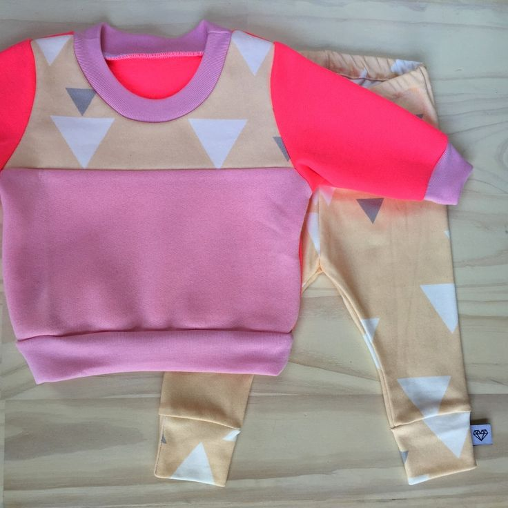 BAby Cassie Louise BABY GIRL JUMPER and leggings set - SIZE 00