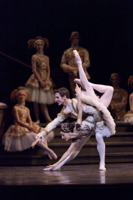 Evan McKie and Greta Hodgkinson in The Sleeping Beauty. Photo by Aleksandar Antonijevic.