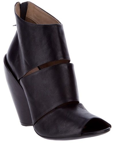 Black leather ankle boots from Elisa Nero - why don't I earn more money??: To, Leather Ankle Boots, Peeps