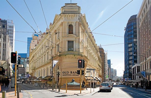 Old Bank shopping arcade corner of Lambton Quay and Willis Street. ... http://architecturehdt.co.nz/