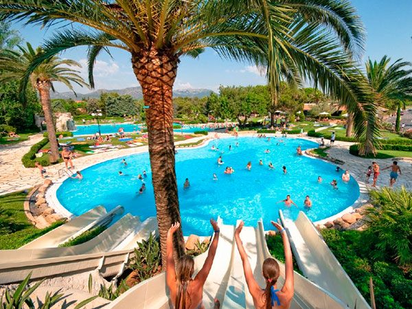 Situado en Tarragona, en plena Costa Dorada, el Camping Resort Playa Montroig sin duda es el destino ideal si estáis buscando unas vacaciones con niñosdiv