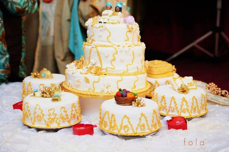 pictures of nigerian traditional wedding cake gold and white wedding cake for traditional 18412