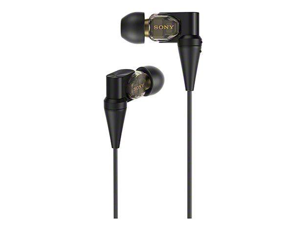 SONY カナル型イヤホン ハイレゾ音源対応 ケーブル着脱式 XBA-300 おすすめ度*1 バランスドアーマチュアドライバーを3つ備えた高精細な音が特徴のカナル型イヤホン。ケーブルはリケーブル可能。遮音性はそこそこ高く十分音楽に没入でき、音漏れも少なめ。 【1】外観・インターフェース・付属品 付属品はキャリイングケースとイヤーピースの替えが付属する。ケーブルのタッチノイズはそれほど目立たない。 【2】音質 とにかく緻密で解像度の高い中高域は煌めき感と透明感、抜け、すべてにおいてレベルが高い。 素直に音楽の美しさ、精彩を極める方向性で味付けされており、高域の表現力は硬質な方向ではあるが素直に楽…