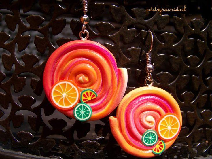 Boucles d'oreilles et bagues spirales orangées et fruits d'été. - petitsgrainsdecel.com