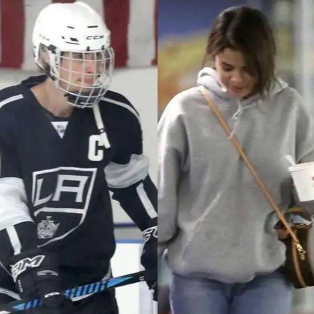 """La familia de Justin Bieber """"ama"""" a Selena Gomez pero él """"sigue demostrando"""" a su madre  La cantante de """"Wolves"""" fue vista ayer viendo en el partido de hockey de su novio en Panorama City California. Y más temprano la pareja fue vista asistiendo a la iglesia juntos. """"Estaban muy contentos de ver a todos allí y dieron muchos abrazos y saludaron cuando entraron"""" lo dijo un testigo. """"Ambos parecían felices y relajados. Justin estaba haciendo sonidos divertidos y bromeando con la gente mientras…"""