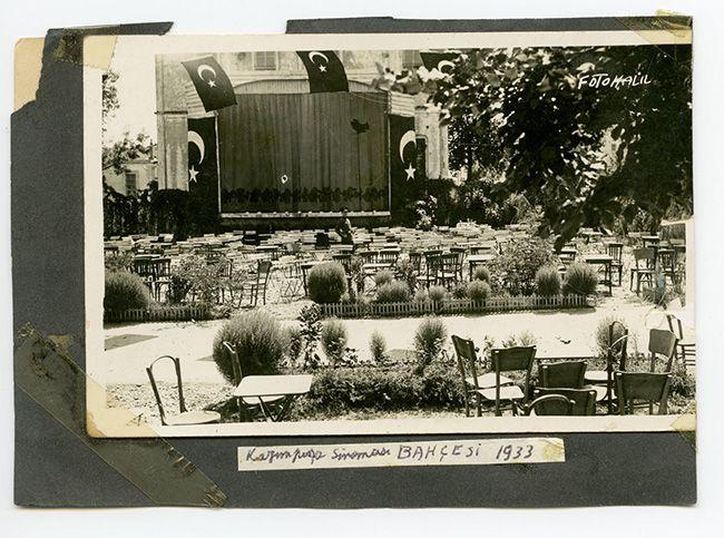 Samsun'da Kazım Paşa yazlık sineması ve bahçesi, 1933. Gökhan Akçura Arşivinden.