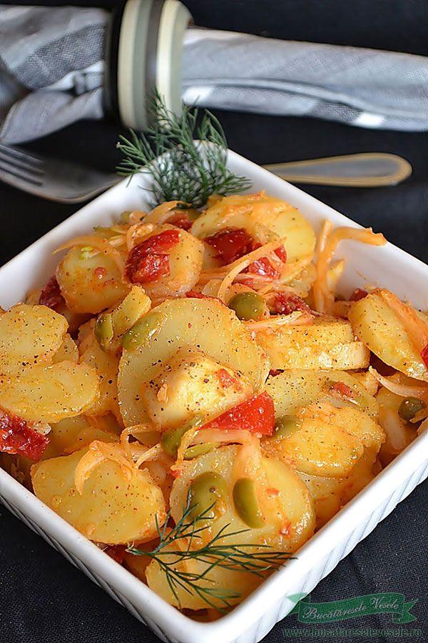 O salata simpla si satioasa, buna si  pentru zilele de post, dar ideala si alaturi de o friptura.