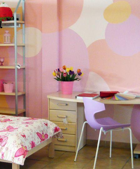 Ζωγραφική τοίχου σε δωμάτιο κοριτσιού σε ροζ αποχρώσεις. Δείτε περισσότερες ιδέες διακόσμησης για το παιδικό δωμάτιο στη σελίδα μας  www.artease.gr