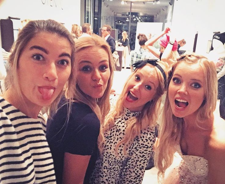 Funny faces at the @teacupsanddressescollection launchparty  #girls #fun #love #teacupsanddresses #selfie #pro #instagood #cceyssensfb #antwerp #otentic #igers