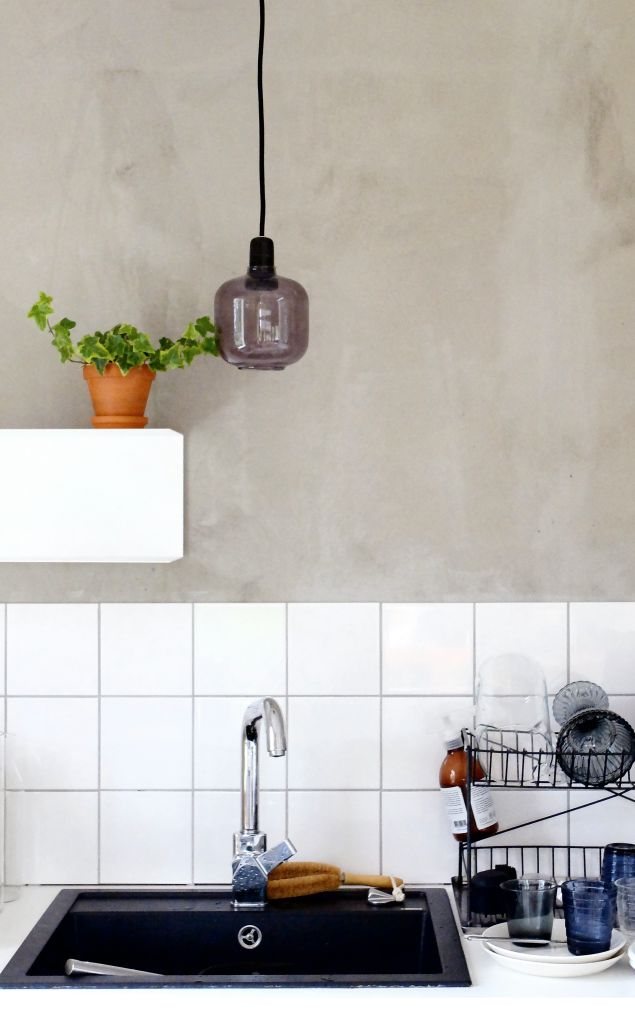 tile+concrete in the kitchen
