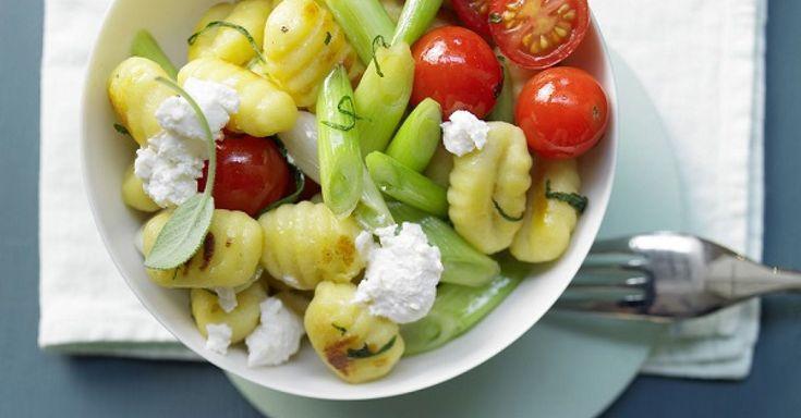 184 gesunde Einfache vegetarische Gerichte-Rezepte mit frischen und leckeren Zutaten. Bereite Dein Einfache vegetarische Gerichte Rezept doch mal mit EAT SMARTER zu!