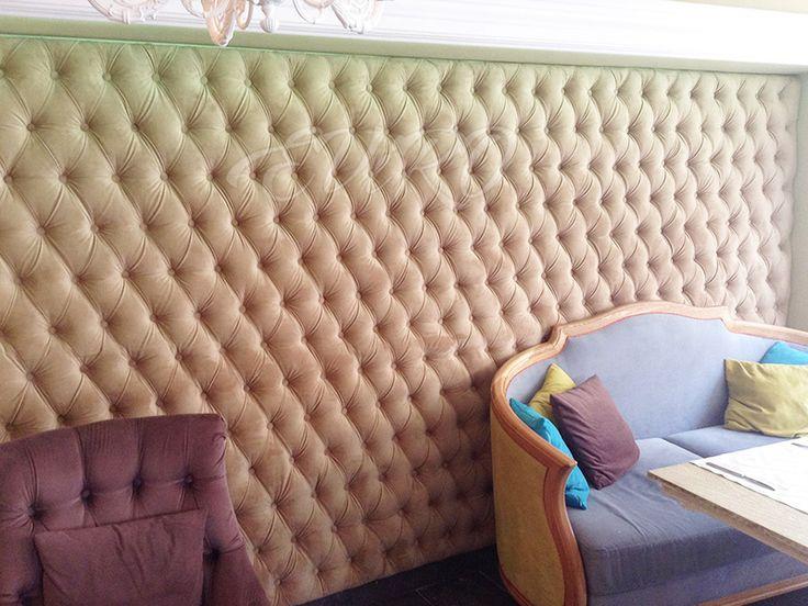 Обивка стен панелями выполняет не только эстетическую функцию, она несет в себе ещё массу положительных качеств: Многообразие материалов для обивки: эко кожа, ткани,более 200 цветов и фактур.  Размеры и формы  подбраются по индивидуальному заказу  Такая обивка стен придает богатый вид и законченность Вашему помещению. Разнообразие в применении - стены, потолки, изголовье кровати, элементы дизайна; Отлично сочетается с мебелью и другим декором помещений.