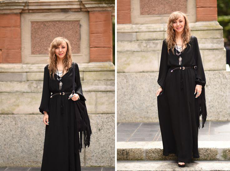 #boho #bohochic #maxidress #bohochicmaxidress #bohochicblack #topshop #fringedbag  #hobobag http://fashiontipp.com