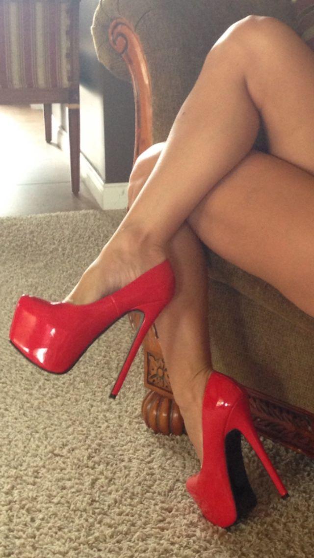 Красные туфли секс фильмы, крупным планом горячее видео женская сперма