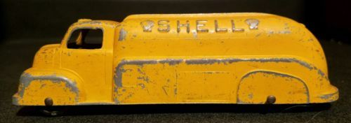 Vintage 1930's cast toy truck shell oil co