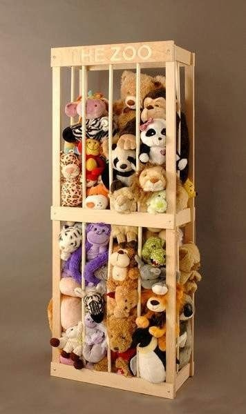 Amazing Idea. Wouldnt be hard or expensive to make, and stuffed animals really make a cluttered mess. |www.homeology.co.za