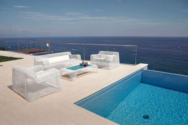 IVY poltronas, mesita y sofá, diseño Paola Navone