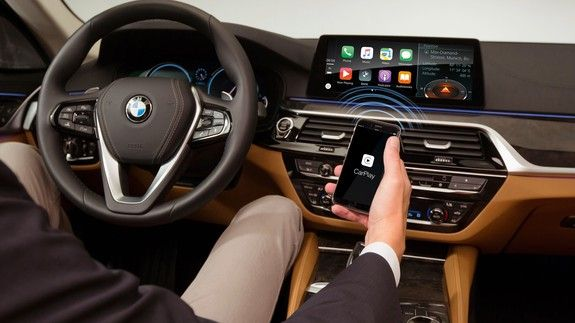 Wireless Apple CarPlay will finally come to more cars