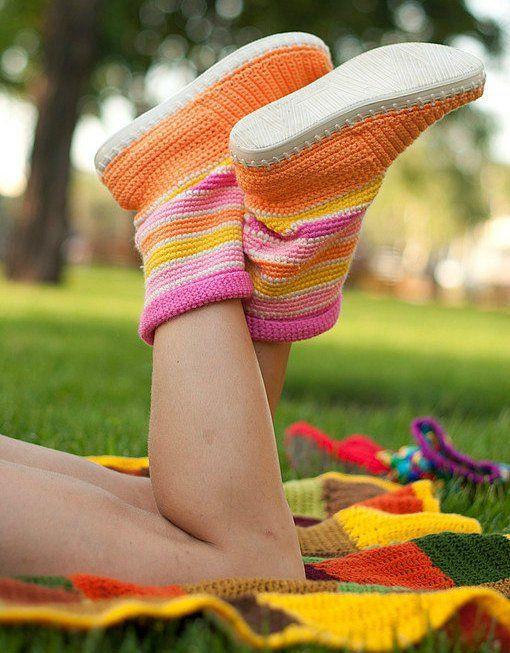 Wonderful DIY Lovely Crochet Boot Slippers | WonderfulDIY.com