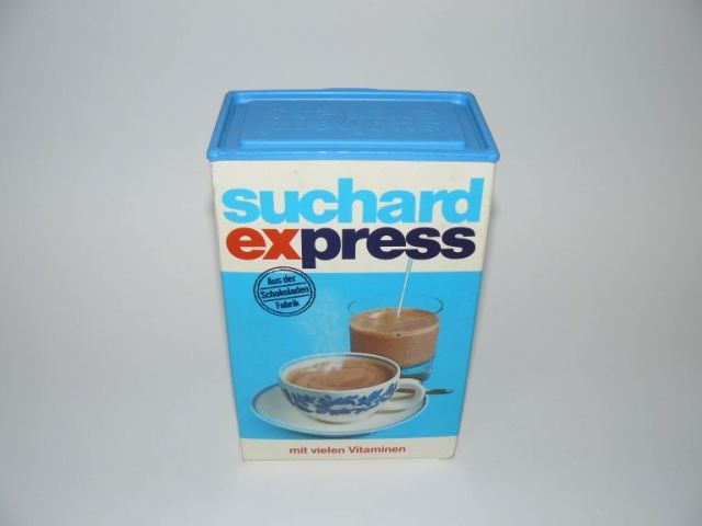 my granny had this instant choclate milk powder, I guess the competition from Nestlé was too much in the 80s and the brand disappeared
