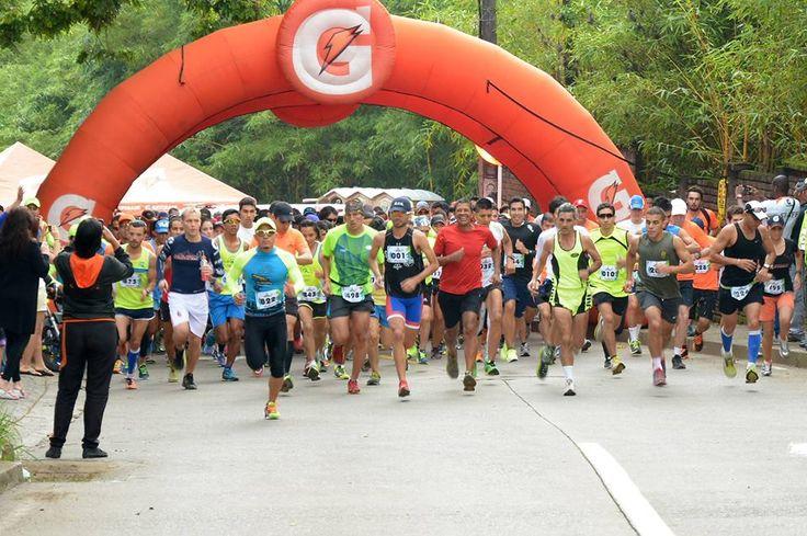 Se alista la Carrera de 10K en el Sur de Cali con la Expedición Bodytech 2015  Este domingo 5 de julio es el encuentro a las 07:00 am para esta carrera especialmente diseñada para los deportistas amantes del 'Running' y del Atletismo   El recorrido iniciará en las Canchas Panamericanas (Calle 9 Cra 39) y se recorrerán 10 K culminando hacia las 09:00 am en el mismo lugar de origen.   La inscripción solo se podrá realizar en línea a través de la página de internet: www.mcmeventos.com