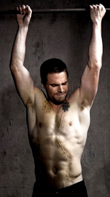 Stephen Amell, shirtless