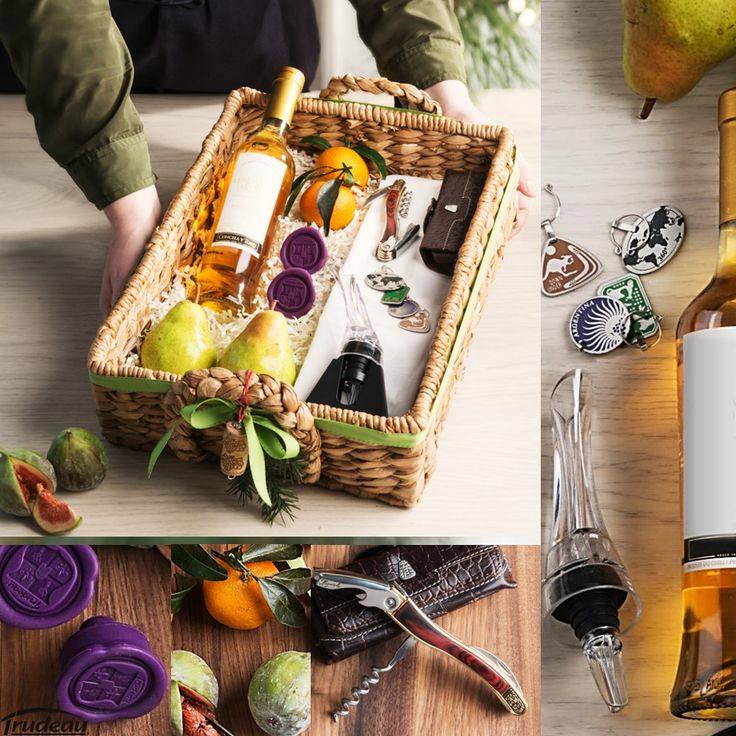 For the wine lover: along with a nice bottle of wine, why not offer a selection of wine related accessories and add fruits like figs, pears and clementine's? /////////////////////  Pour l'amateur de vin: offrez une bonne bouteille avec des accessoires Trudeau pour le vin…et agrémenter le tout avec des fruits tels que des figues, poires et clémentines!