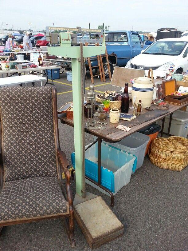 36 best images about yard garage sales on pinterest garage sale tips furniture and. Black Bedroom Furniture Sets. Home Design Ideas