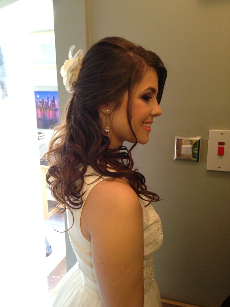 Hairstyle and makeUp bride by Me