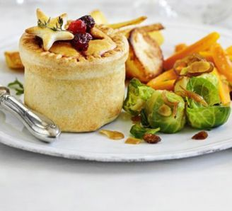 Individual Christmas pies | This recipe for a stunning vegetarian Christmas alternative, can easily be reduced or increased to make as many as you need