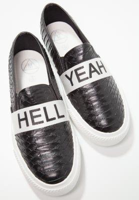 Lage sneakers Missguided Instappers - black Zwart: 27,95 € Bij Zalando (op 29/11/16). Gratis verzending & retournering, geen minimum bestelwaarde en 100 dagen retourrecht!