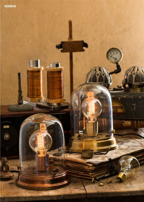 Lampe à poser Edison Copper - watt & VEKE #steampunk #design #retro #decoration #interior #luminaire #light http://www.uaredesign.com/lampe-poser-edison-watt-veke-cuivre.html
