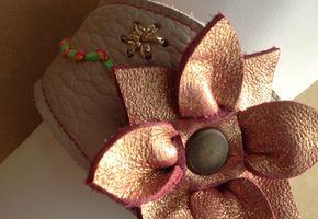 Armbanden van leer en wol – Knit & Knot
